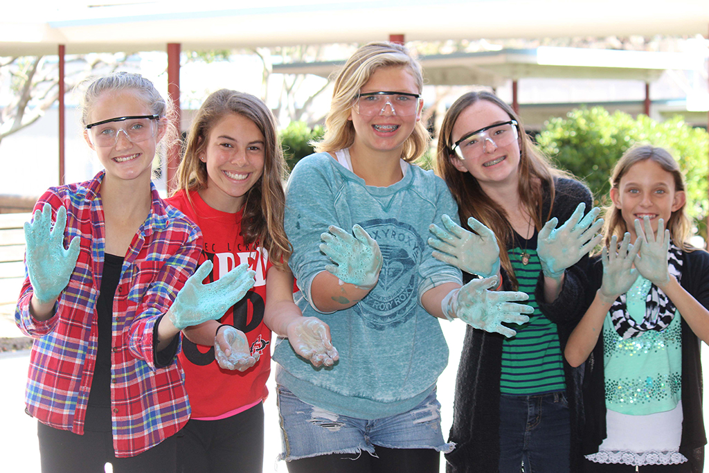Solana_Beach_Schools_Foundation_science_girls